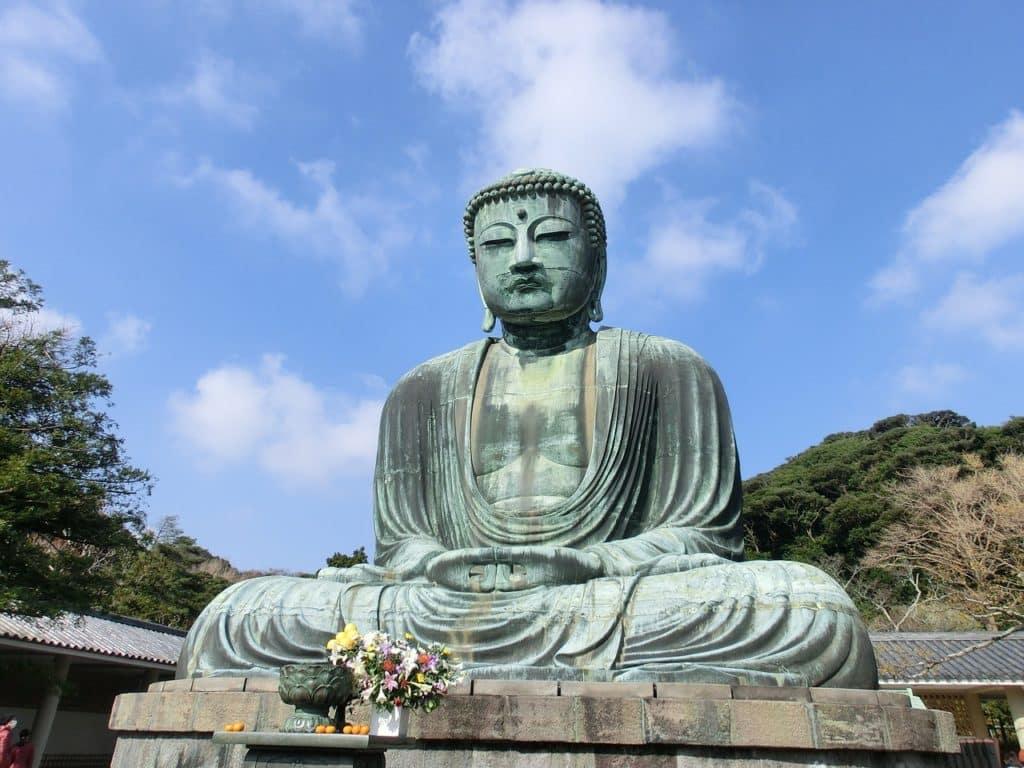 tienes que ver la estatua de buda sentado en tu viaje a Japón Kamakura