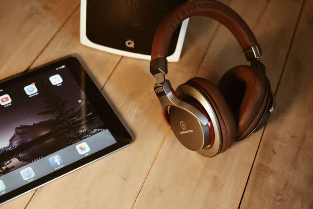 Quizá una de las mejores opciones sino fuera por el riesgo de soltar cientos de euros si se te pierde el dispositivo portable (Pocket Wifi). (Foto: Alphacolor 13 - Unsplash.com)