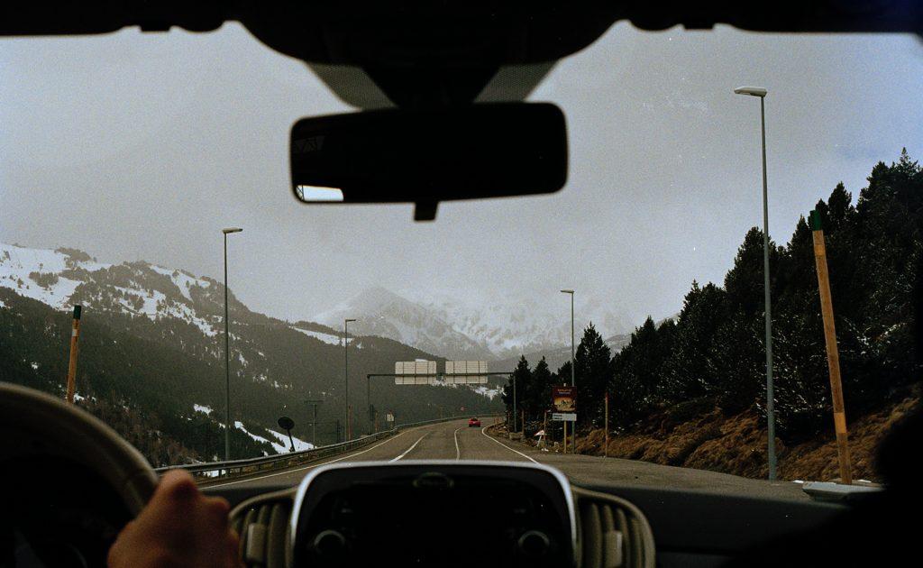 Viajando con destino a Andorra