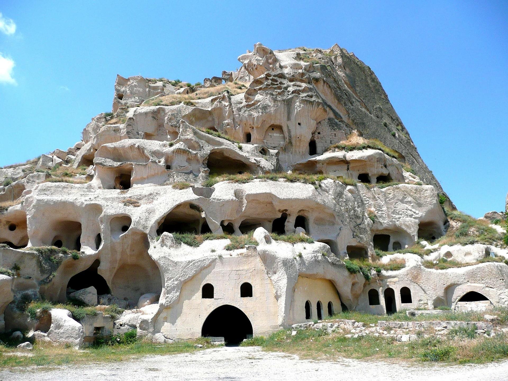 Uchisar en Capadocia, Turquía, 10 cosas que hacer, cuevas, refugios
