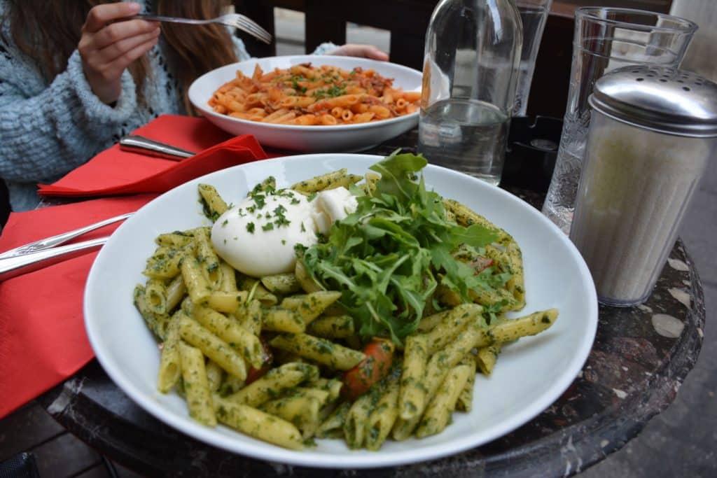 Plato de pasta en Le Radar de Poche,  comer Ginebra (Suiza)