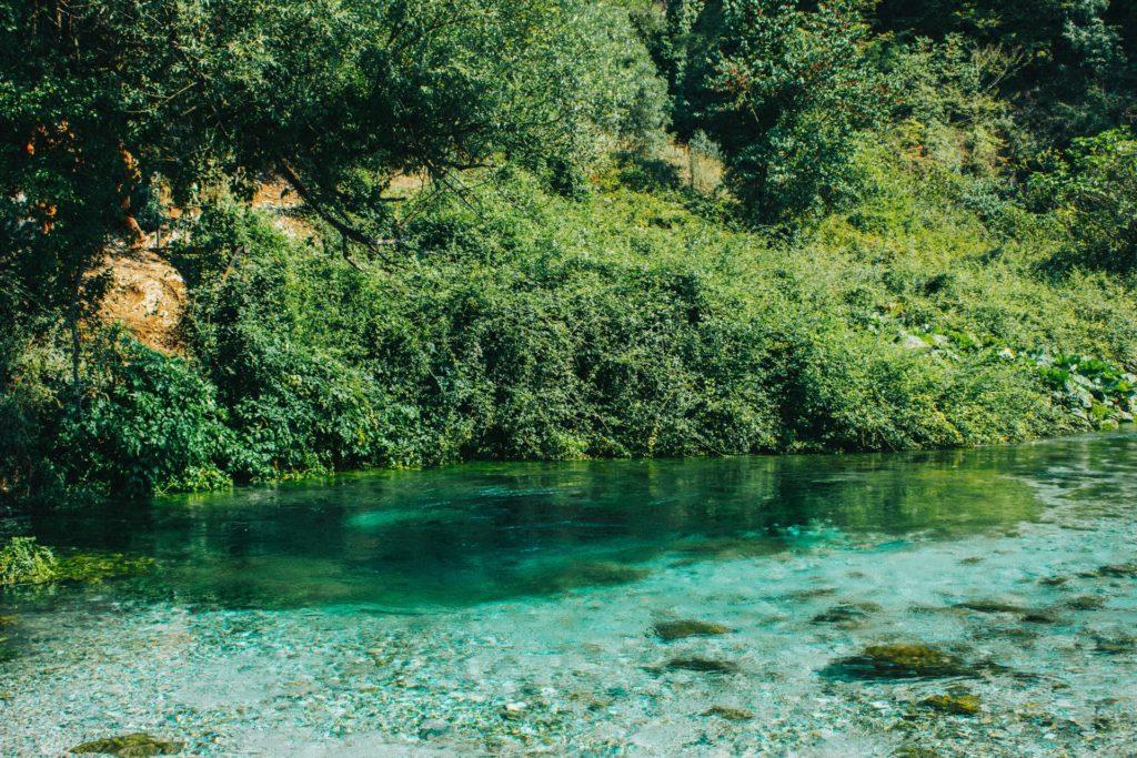 El ojo azul, Playas de Albania, riviera albanesa