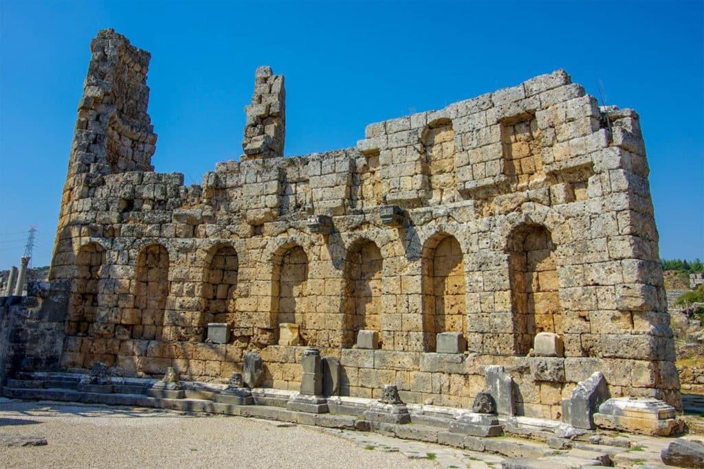 Antigua ciudad Perga en Antalya, Turquía