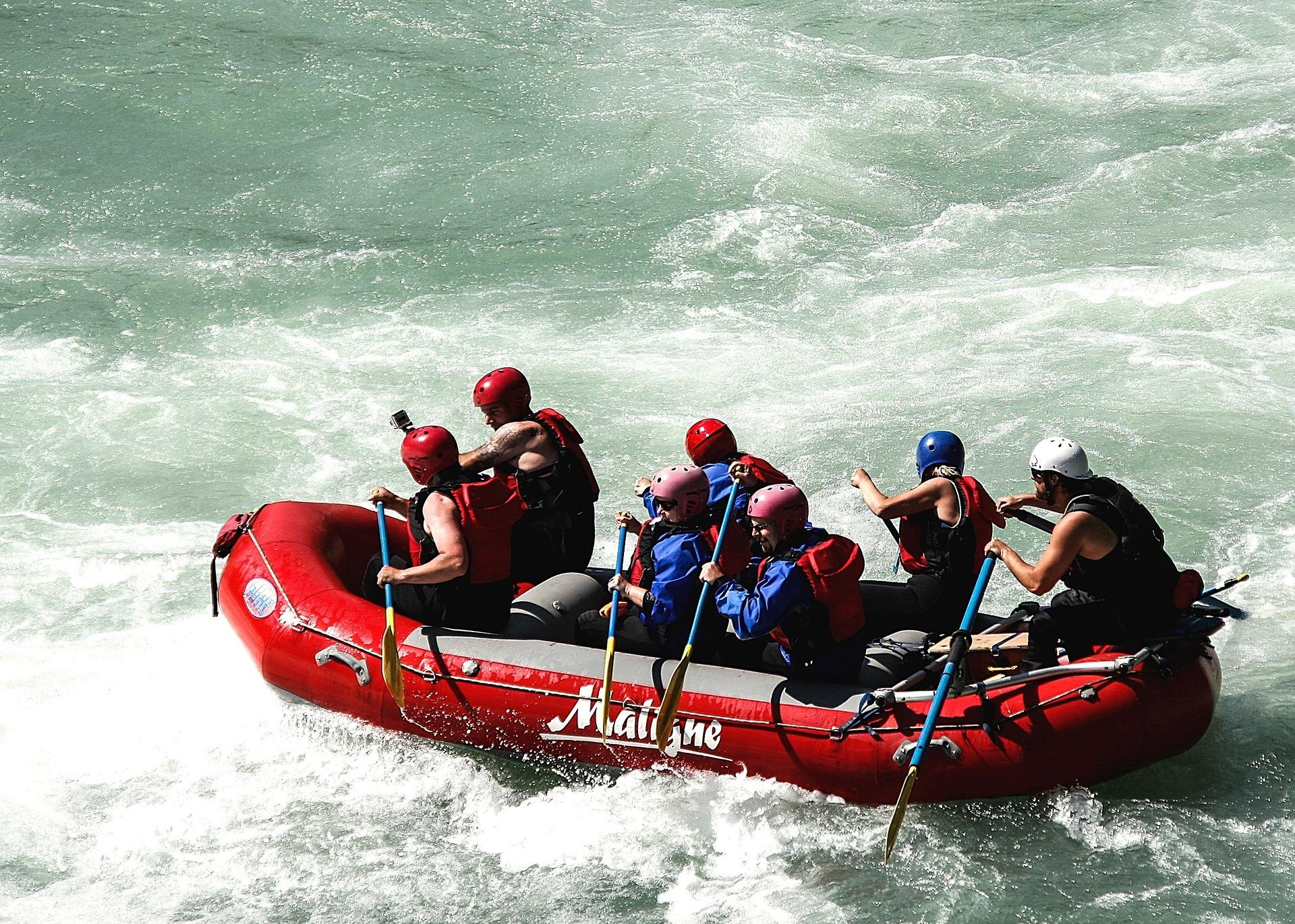 Rafting en los rápidos de Jasper, Montañas Rocosas, Canadá, viajar, rocallosas