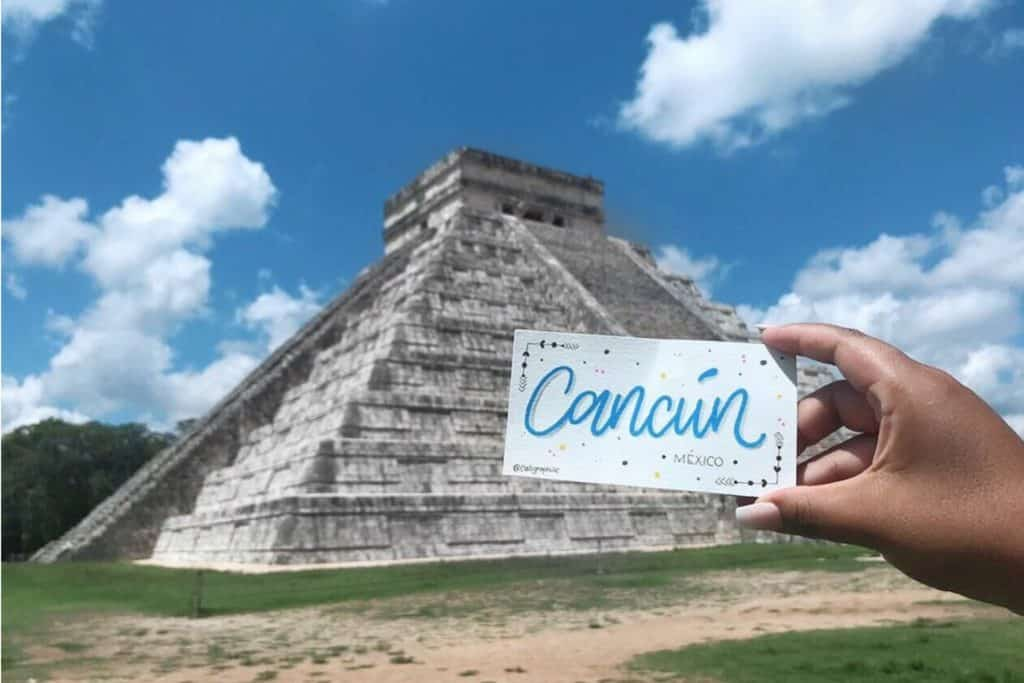 Letras Viajeras por las ruinas Mayas de Chichen Itzá, ciudades de México