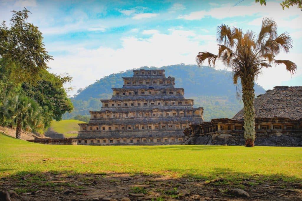 Pirámide de la cultura Totonaca, Veracruz, México ciudades