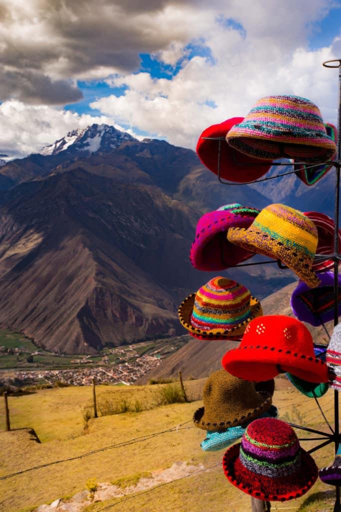 Gorros en Cusco, que ver, qué comprar, qué hacer en Perú, 10 lugares imprescindibles