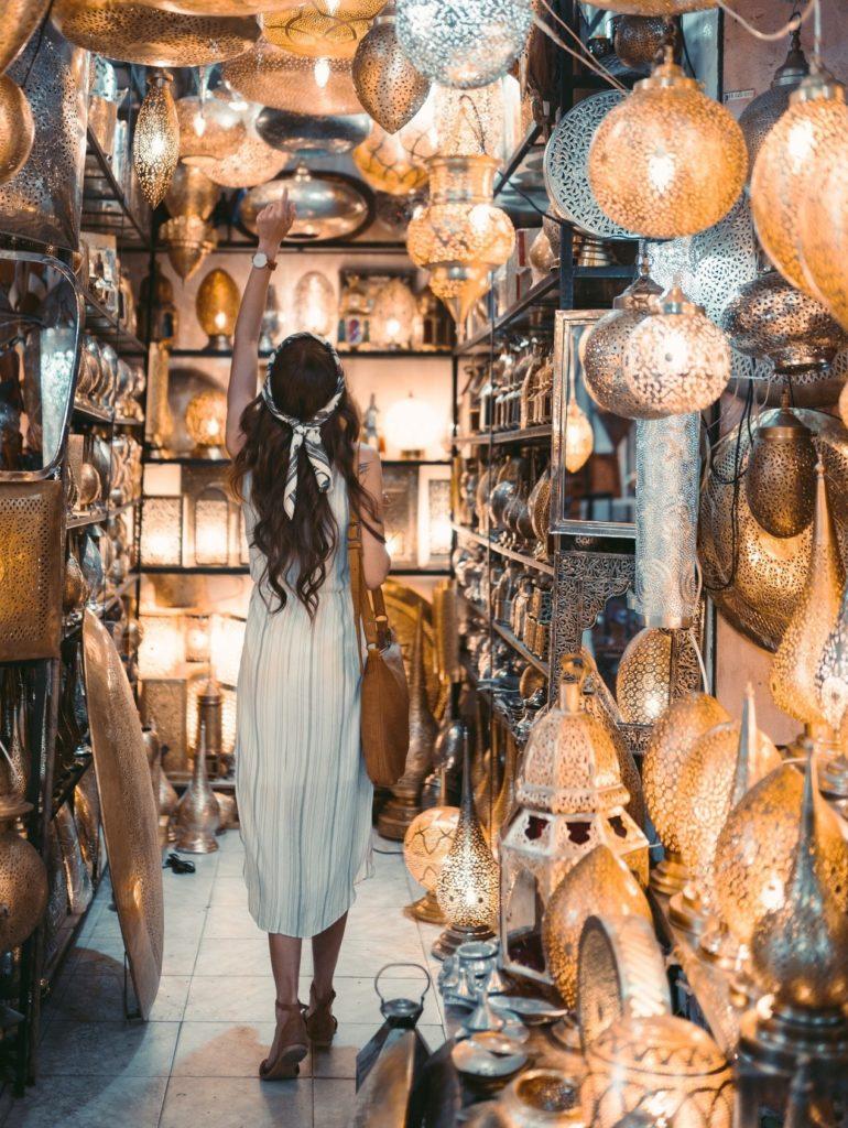 Lámparas de metal, orfebrería en Fez