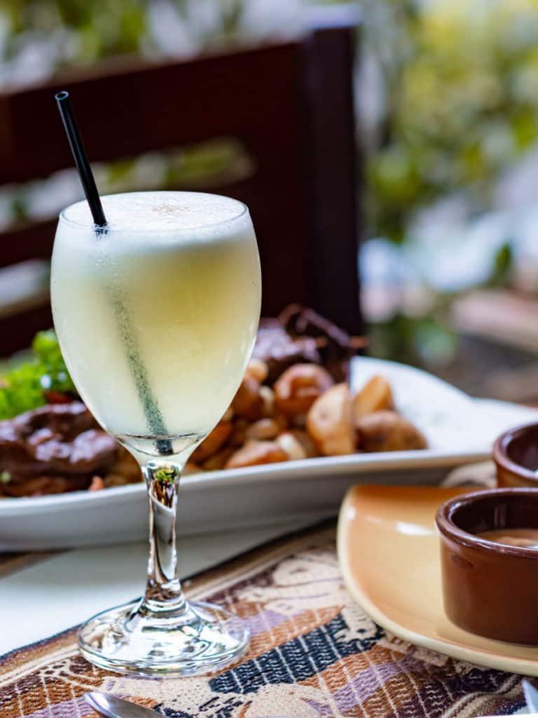 Pisco Sour, bebida nacional, que ver en Perú