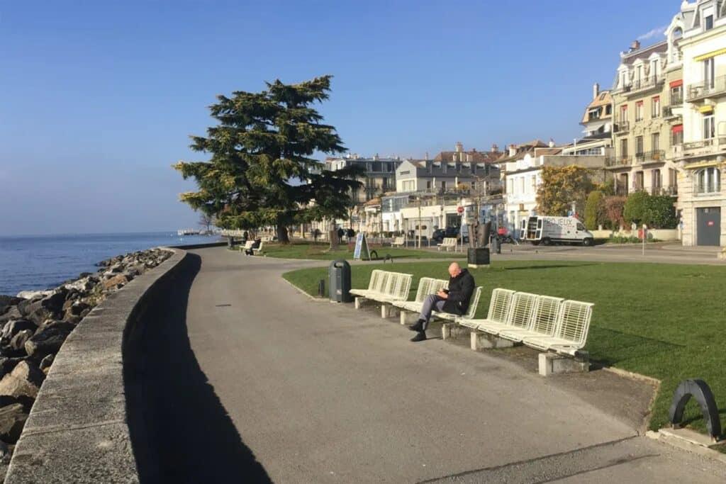Weg entlang des Genfer Sees in Montreux