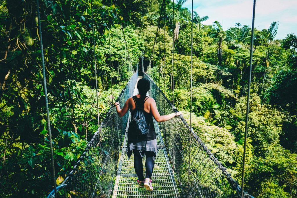 Sports d'aventure dans la jungle du Costa Rica.