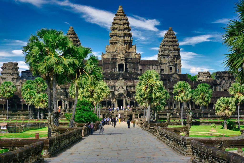 Visite des bâtiments en pierre à Sem Reap