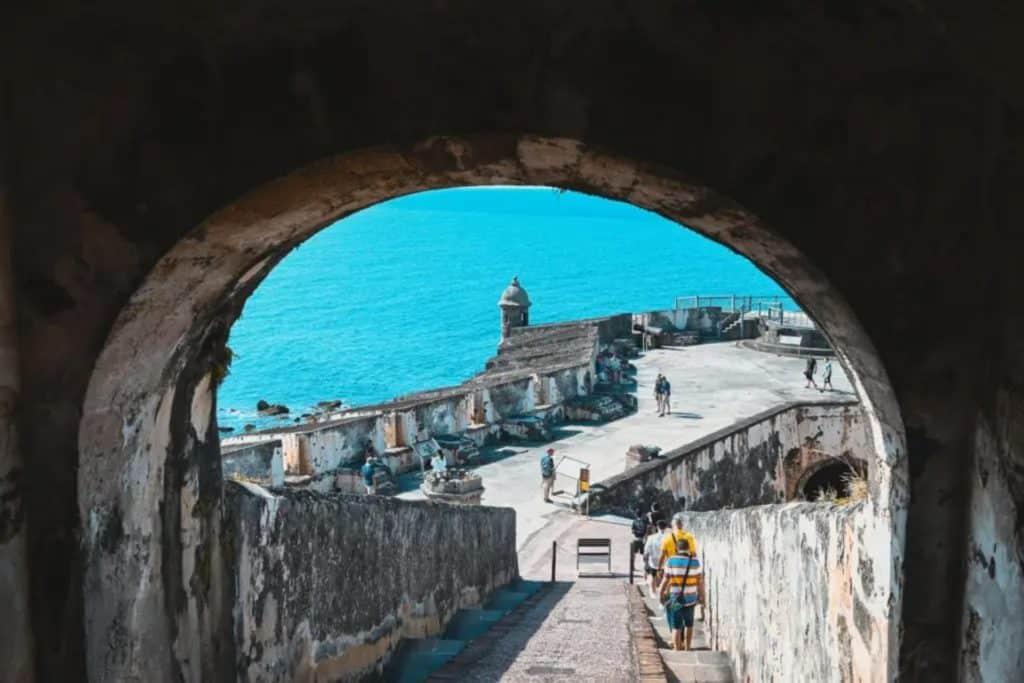 Ville de San Juan Antiguo à Porto Rico Source : Zixi Zhou en Unsplash carte sim prépayée porto rico