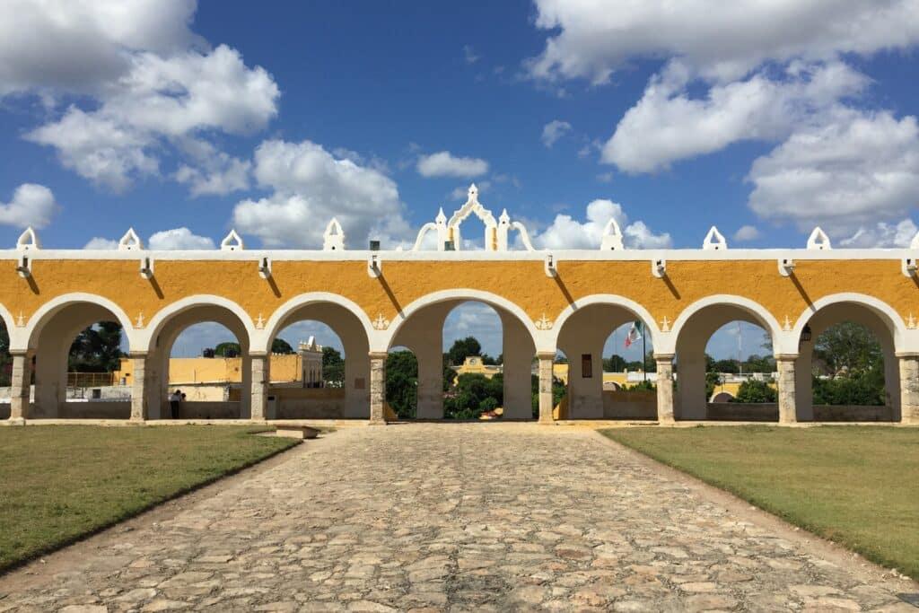 village izamal yucatan mexique, saison mexique