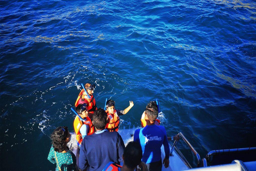 Groupe de personnes faisant de la plongée sous-marine, que faire riviera nayarit