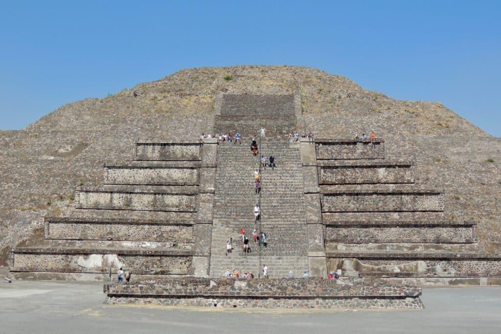 pyramide de la lune de teotihucan mexique, saison mexique